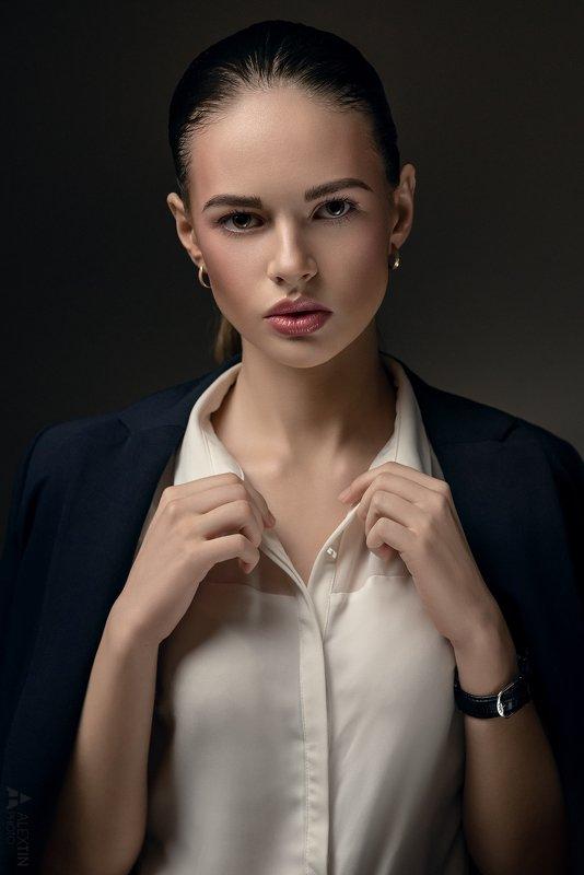 портрет, девушка, студия Ленаphoto preview
