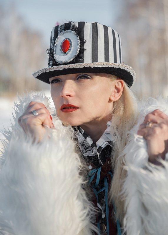 фэшн, шляпки, арт фото, зимнее фото, стиль, экстравагантность, алиса, белый кролик ***photo preview