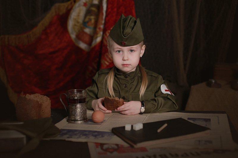 дети портрет день победы девочка 9 Маяphoto preview