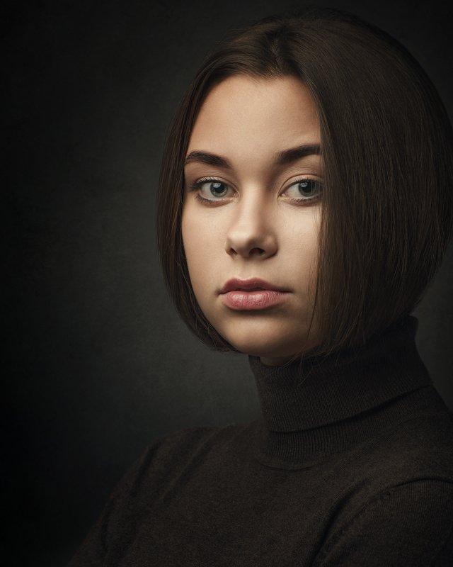 портрет, женский портрет, студия, портрет в студии, жанровый портрет Полинаphoto preview