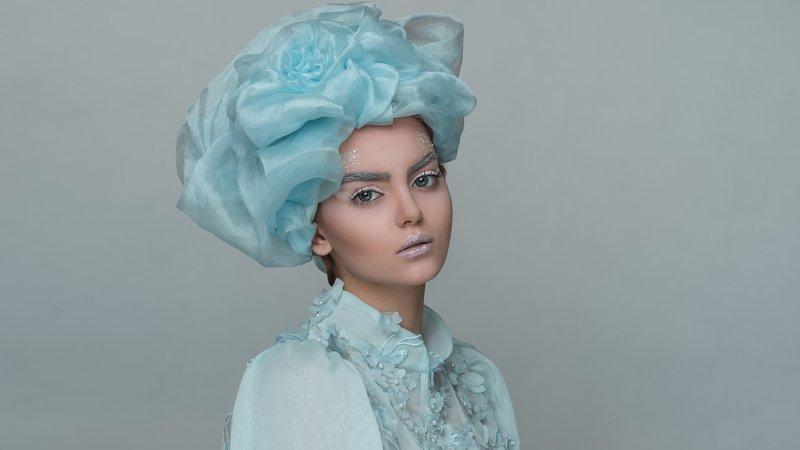 #portrait #queen #fashion #female  ice queenphoto preview