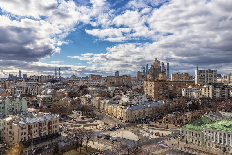 архитектура, город,  весна, высотки, пейзаж Москва весенняяphoto preview