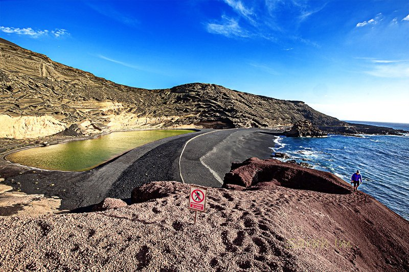 lanzalote  el golfo El Golfo The green lagoonphoto preview