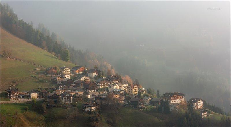 доломитовые альпы,,деревня,selva - di - cadore,осень,туман,италия,alps, \