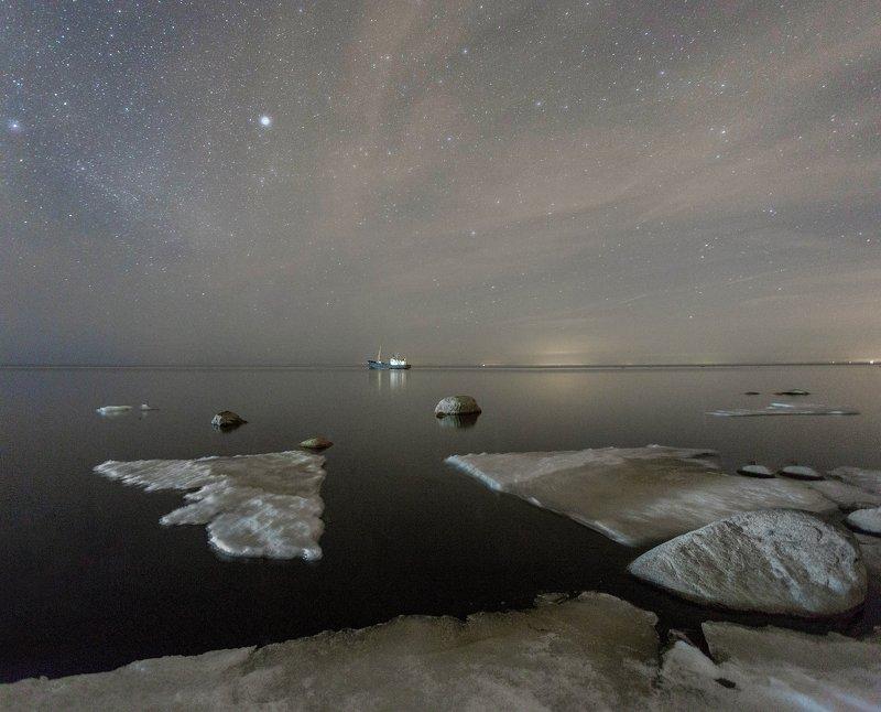 ночь, ладога, звезды, корабль Апрельский ледphoto preview