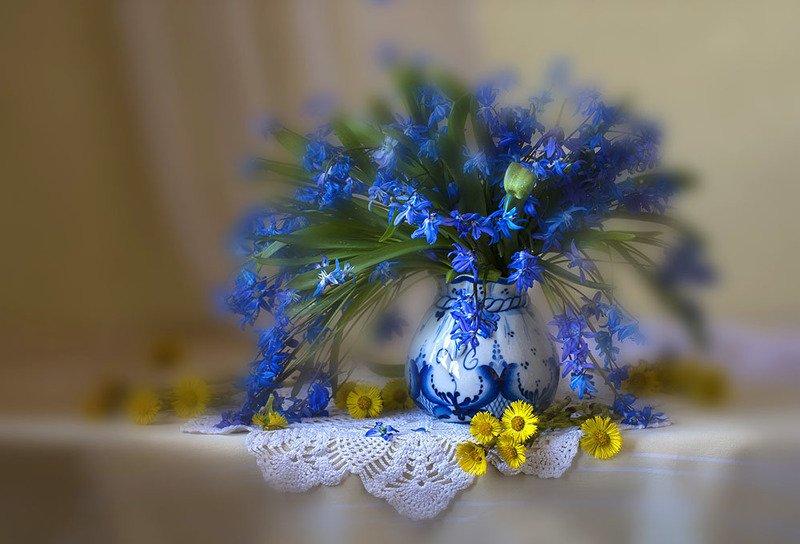 натюрморт с пролесками,подснежники,весна,букет,голубые цветы,художественное фото,искусство. photo preview