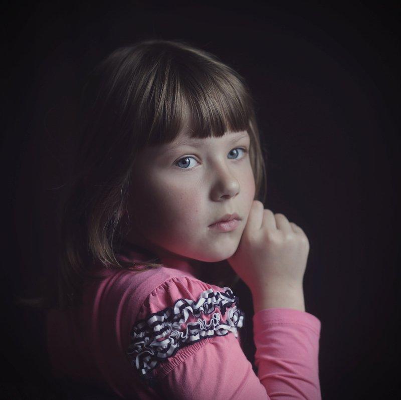 девочка постановочный портрет photo preview