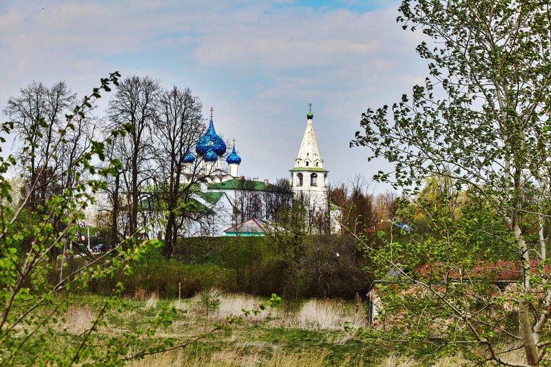 Суздальский кремль.Весна. Суздаль. Россияphoto preview