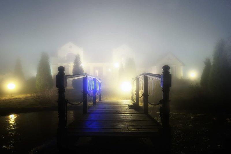 туман, ночь, усадьба, апрель Ночные туманы в усадьбеphoto preview