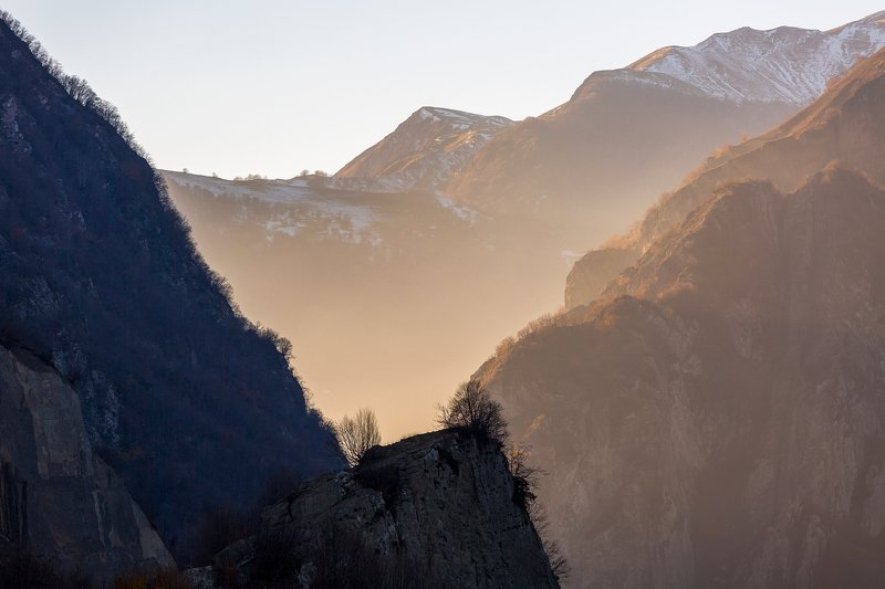 Закат в горном ущельеphoto preview