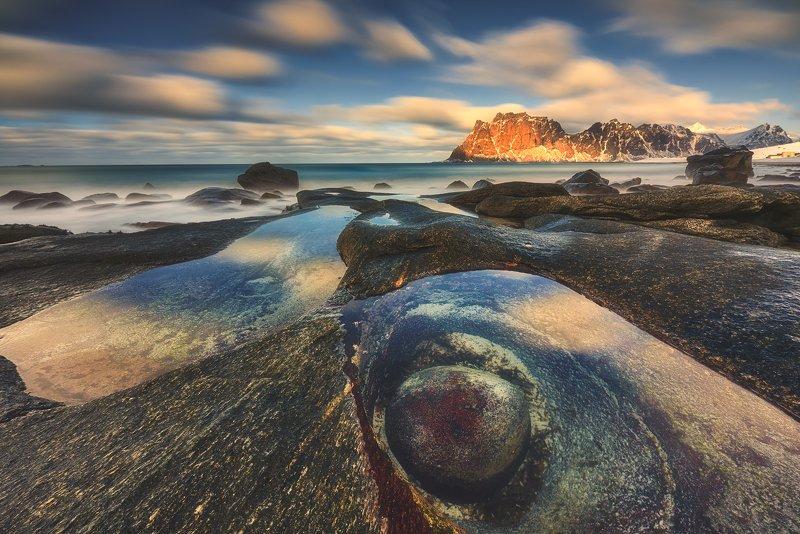 lofoten, reine, reflections, mountains, seascape, landscape, utakleiv The Eye of the Northphoto preview