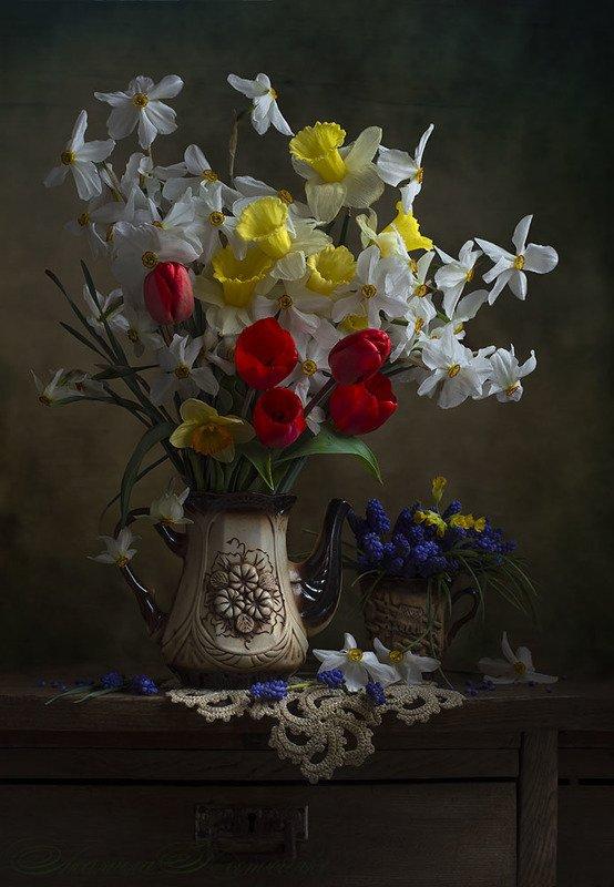 натюрморт с нарциссами,весна,букет,цветы,художественное фото,искусство. photo preview
