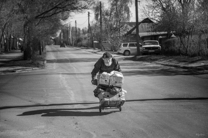 мужчина,жанр,улица,дорога,тачка Тачки на дорогах ...photo preview
