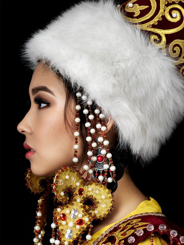 beauty, beauty photographer, fashion, portrait, model, posing, creative, h6d, inspire, beautiful, blackandwhite Dinaraphoto preview
