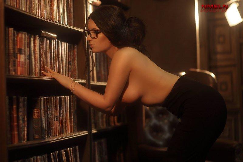 девушка, ню, книги, девушкавбиблиотеке, эротика, фотографмосква, эротика, библиотека, никамельн, фотографникамельн, топфотограф, топфотографмосква, фотосъека, фотосъемкавмоскве Библиотекарьphoto preview