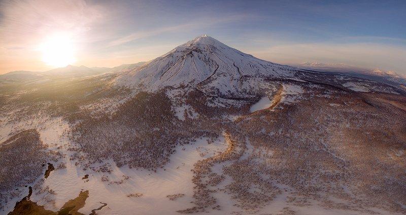 камчатка, пейзаж, снег, рассвет, природа, путешествие, фототур, весна Рассвет на Камчаткеphoto preview
