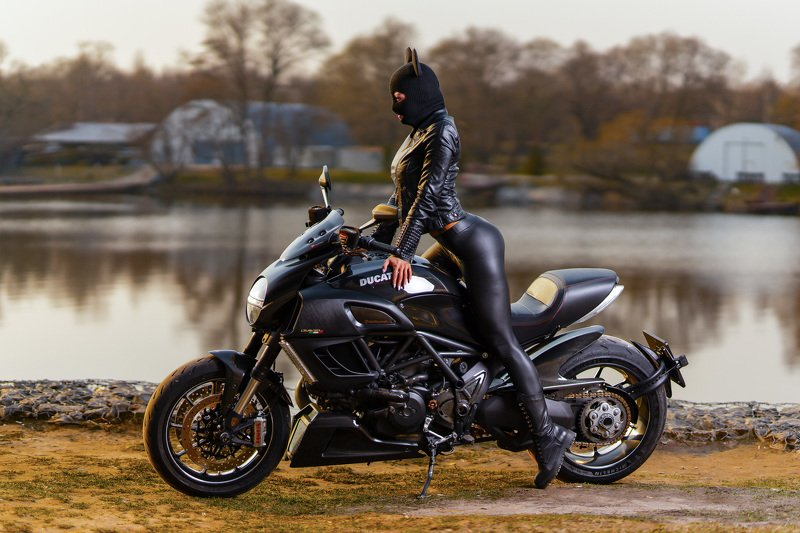 girl sport bike ducati Girl on Bikephoto preview