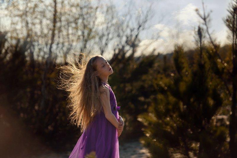 girl, portrait, west, tree, Spring breezephoto preview