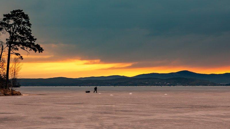 озеро тургояк, южный урал, По утру на рыбалкуphoto preview