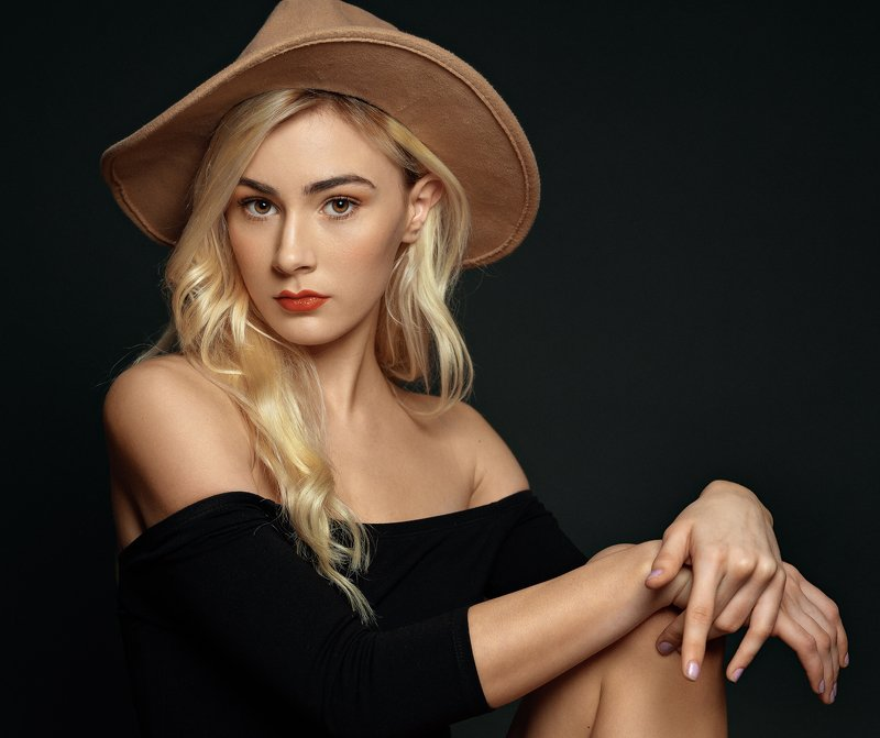 female, portrait, girl, blonde, beautiful, young, woman, hat Jennyphoto preview