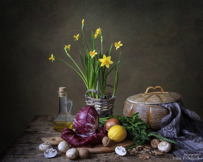 натюрморт, весна, цветы, овощи, салат радичио Весна на кухнеphoto preview