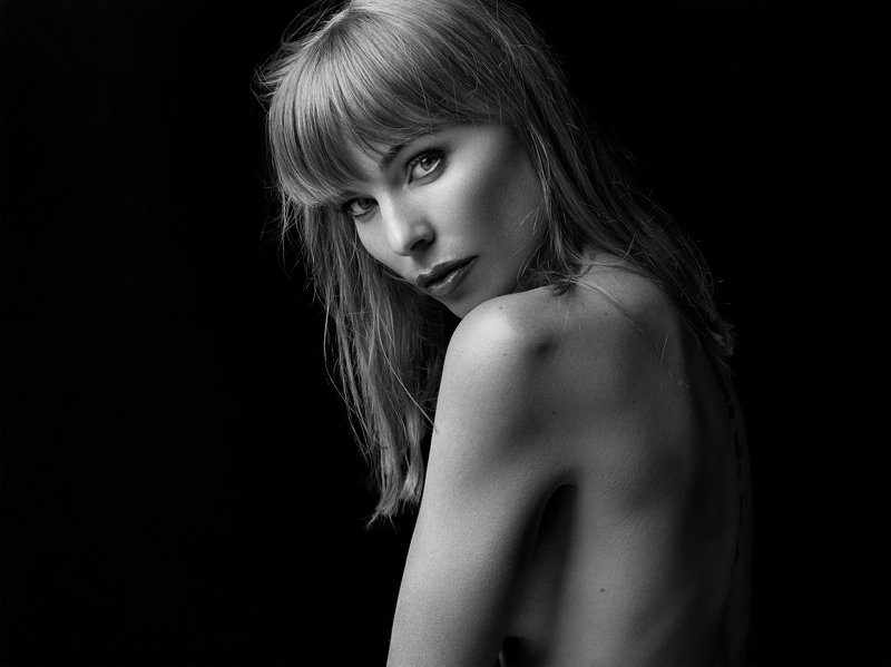 beauty, beauty photographer, fashion, portrait, model, posing, creative, h6d, inspire, beautiful, blackandwhite Ingvillphoto preview