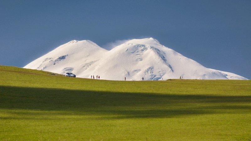эльбрус прогулки с видом на Эльбрусphoto preview