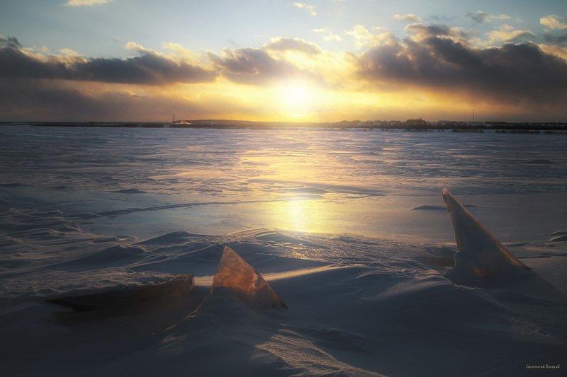весна, зима, река, лед, закат, отражение, берег, вечер, снег Во льдахphoto preview