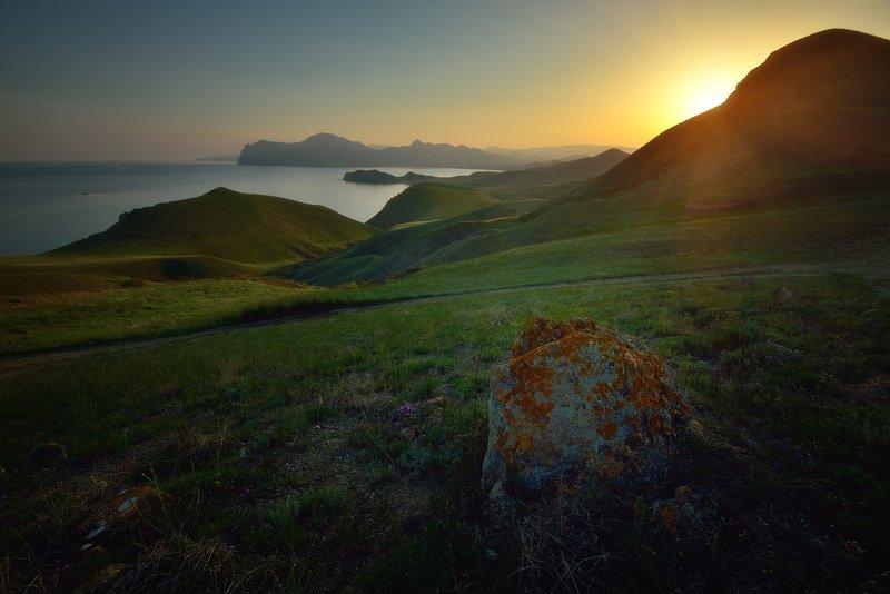 крым, природа, весна, горы, море Вид на мыс Хамелеонphoto preview