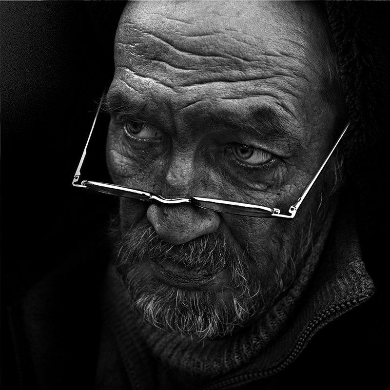 портрет, юрий_калинин, лица, черно_белое, юрец, уличная_фотография, люди очки для чтенияphoto preview