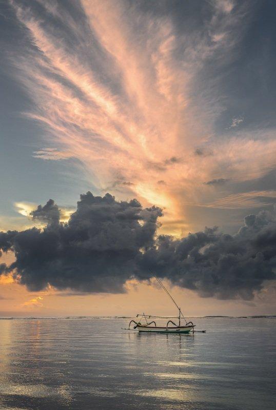 рассвет, Бали, лодка Балийский рассветphoto preview