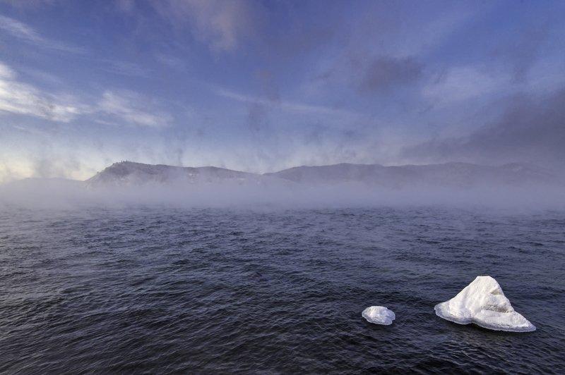 Туман, вода, озеро Байкал, облака, лед. Туманыphoto preview