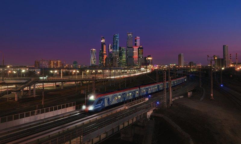 поезд,электричка,МЦД,Москва,город,МоскваСити,ночь,Иволга, night, moscow, train photo preview