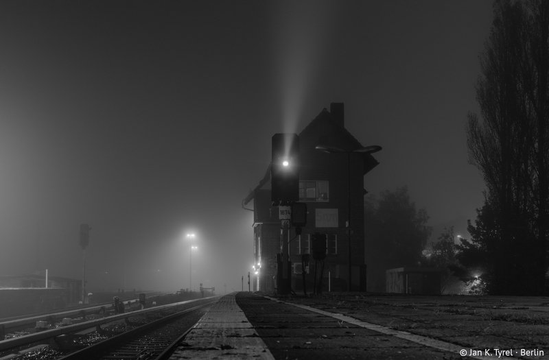 berlin, nightphotography, fog, foggy, longexposure, Берлин, чб, monochrome, bnw, Чёрно-белая, ночная фотография Historic Berlin station at foggy nightphoto preview