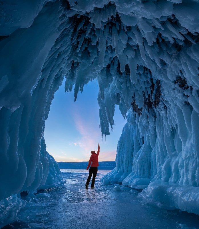 Байкал пещера касание холодаphoto preview