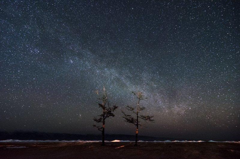 байкал Две пылинки в межзвездной пустотеphoto preview