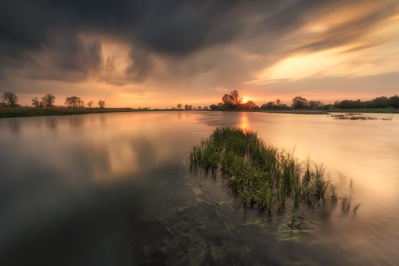 The tranquillity of the Warta River IIphoto preview