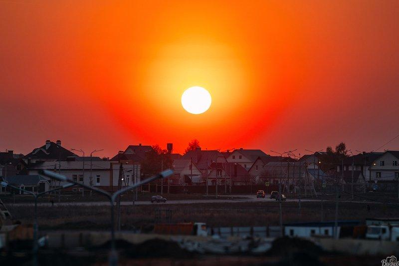 солнце, тамбов, город, закат, тамбовщина А Вы знали, что Солнце белого цвета? =)photo preview