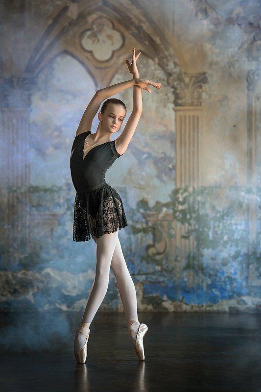 ballet  ballerina  girl  dance  dancer  little ballerina  studio photo preview