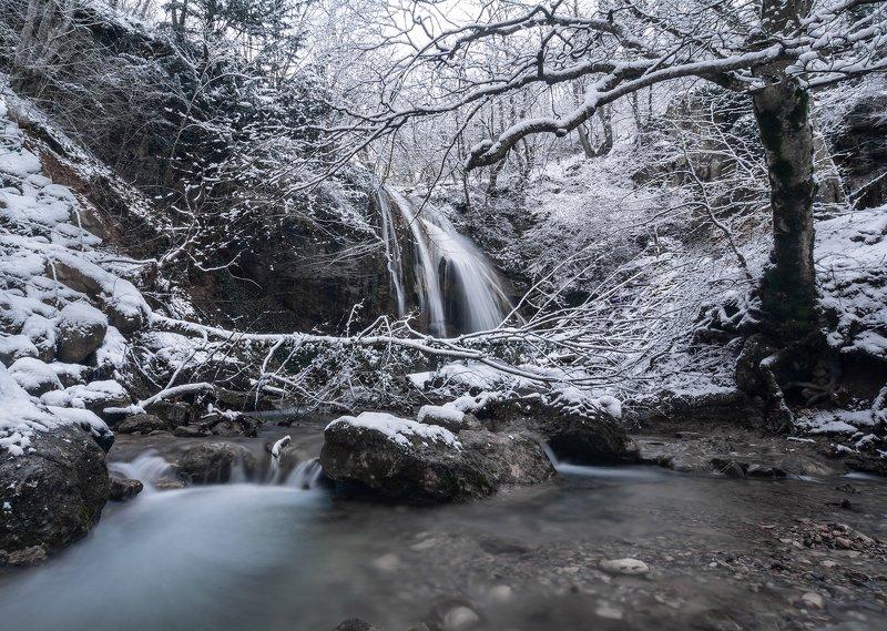 крым водопад царство холодаphoto preview