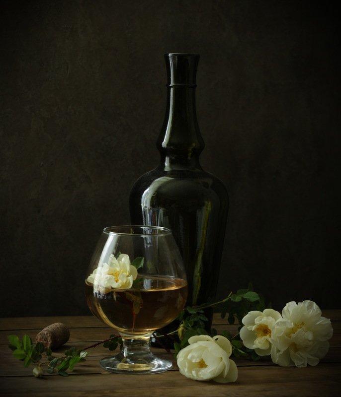 натюрморт , бокал, вино, роза, бутылка, Вино и розыphoto preview