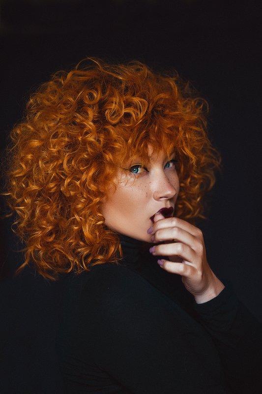 рыжая девушка  Джинджерphoto preview
