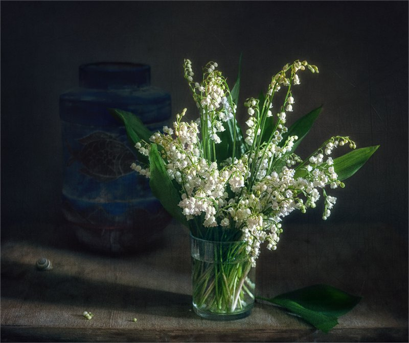 still life, натюрморт,    винтаж,    цветы,  ландыши, минимализм натюрморт с ландышамиphoto preview