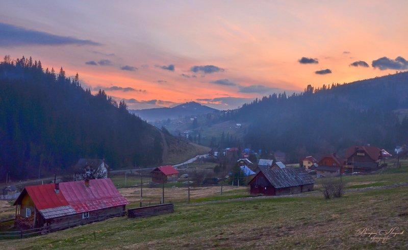 весна, апрель, вечер, закат, горы, карпаты Закат над горой Буковельphoto preview