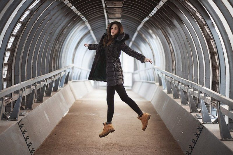 девушка, зима, москва, прыжок Mphoto preview