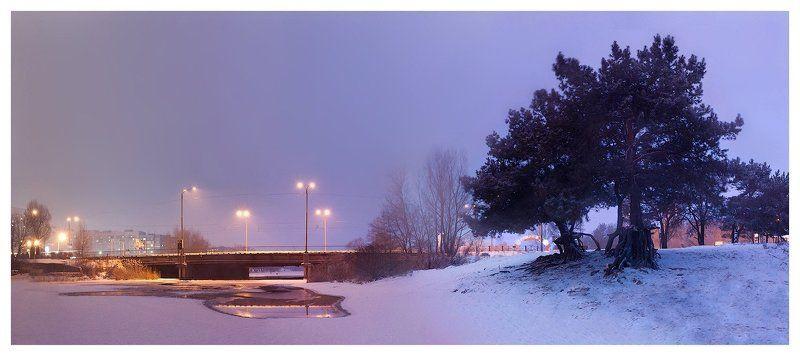 закат, город, речка, сосна, фонари, мост Ванильный закатphoto preview