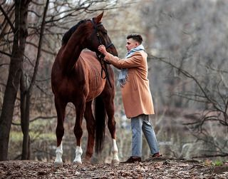 Весенняя прогулка с конем