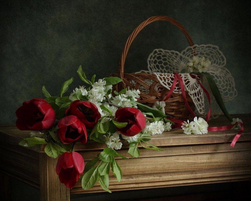 натюрморт, тюльпаны, букет, весенний букет, корзинка букет тюльпановphoto preview