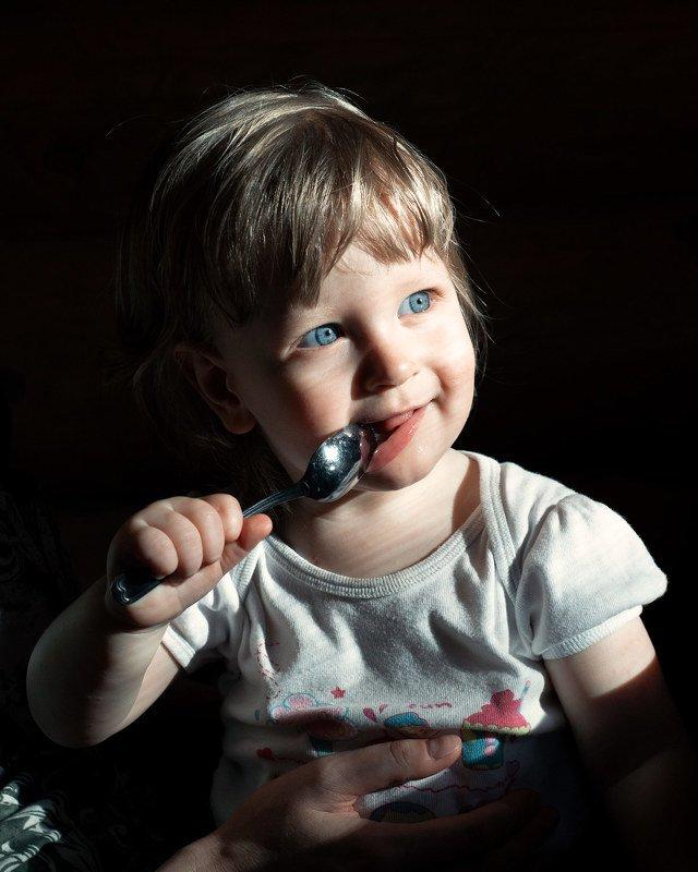 портрет, свет, ребенок, глаза Про Лизуphoto preview