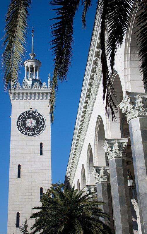 сочи, вокзал, здание, часы, лето, пальма welcome to Sochiphoto preview